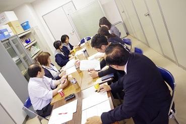 食堂会議①.jpg
