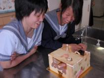 10.06.29_お菓子の家9.jpg
